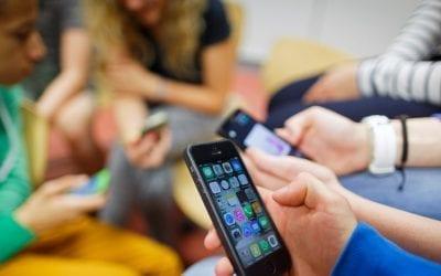 Should Smartphones Be Banned In Schools?